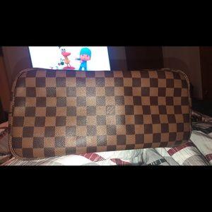 Louis Vuitton MM Neverfull Damier